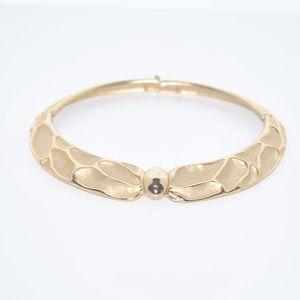 Gold Collar Neck